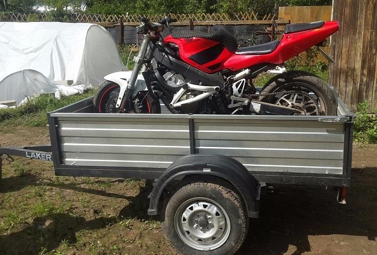 Легковой прицеп для перевозки мотоцикла